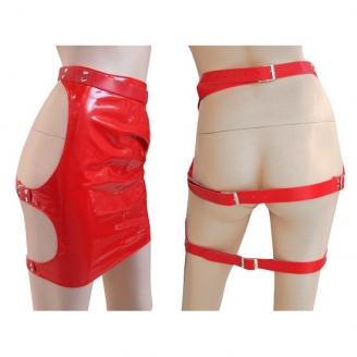 Лаковая красная юбка с открытой попой