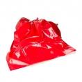 Красное виниловое покрывало