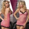 Нежно-розовое кружевное платье и трусики